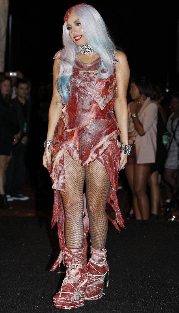 Lady gaga vestito carne